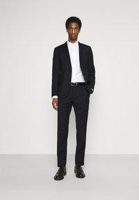 Calvin Klein Tailored - TONAL GRID CHECK EXTRAFINE SUIT - Oblek - navy - 1