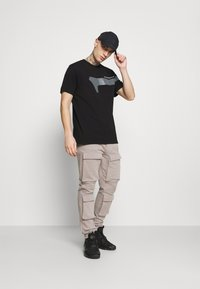 G-Star - 1 REFLECTIVE GRAPHIC R T  - T-shirt con stampa - black - 1
