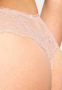 LingaDore - DAILY - Thong - blush - 4