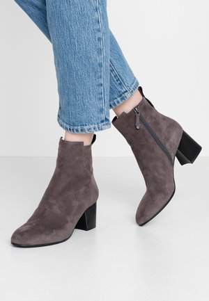Classic ankle boots - nebbia