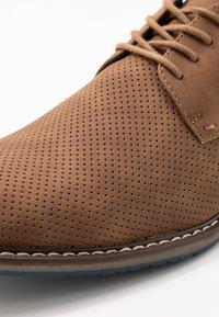 Madden by Steve Madden - SARRON - Šněrovací boty - cognac - 5
