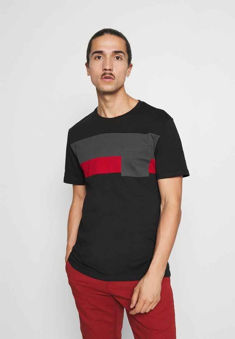 Pier One - Basic T-shirt - black