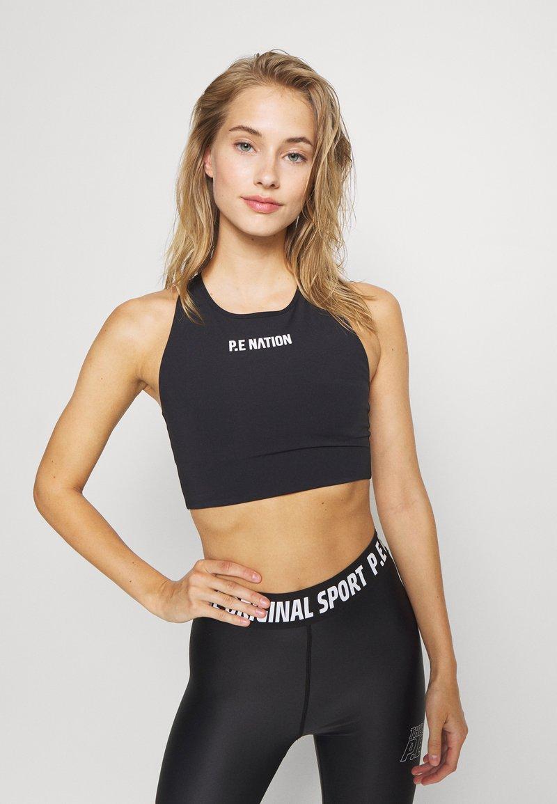 P.E Nation - RACING LINE SPORTS BRA - Medium support sports bra - black
