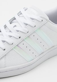 adidas Originals - SUPERSTAR SPORTS INSPIRED SHOES UNISEX - Trainers - footwear white/core black - 5