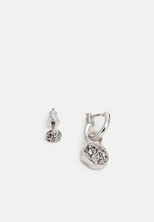 MOLTEN DISC HOOP AND STUD EARRINGS - Earrings - silver-coloured