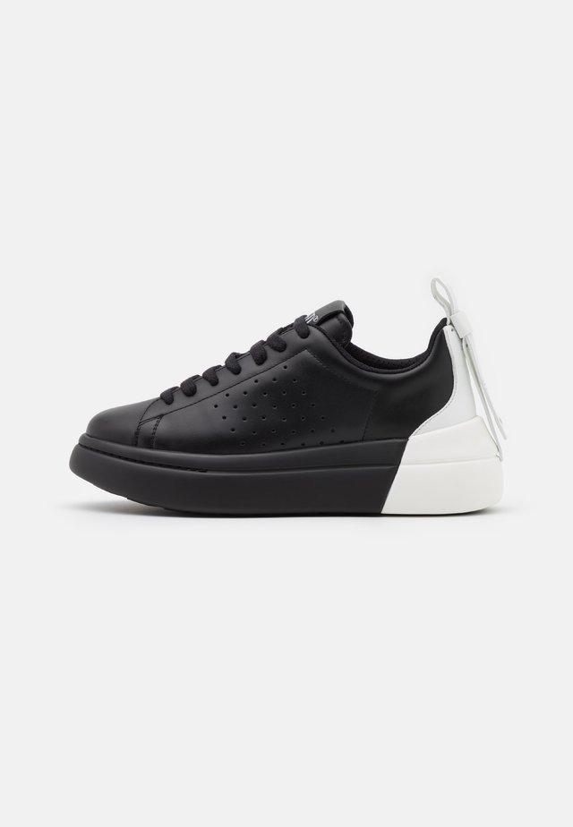 Sneakersy niskie - nero/bianco
