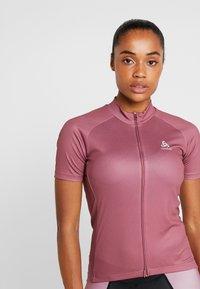 ODLO - STAND UP COLLAR FULL ZIP FUJIN PRINT - T-Shirt print - roan rouge - 3