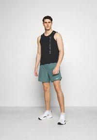Nike Performance - CHALLENGER SHORT - Korte broeken - hasta - 1