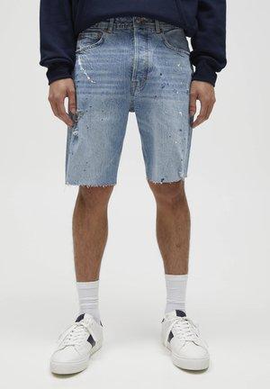 MIT KLECKSEN - Denim shorts - stone blue denim