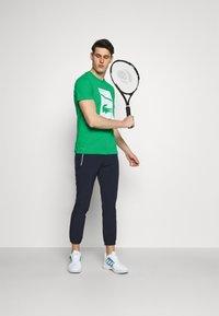 Lacoste Sport - GRAPHIC - Triko spotiskem - palm green - 1