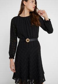 Versace Jeans Couture - CIRCLE LOGO BELT - Riem - black - 1