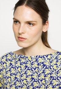 WEEKEND MaxMara - FOSCO - Print T-shirt - ozean - 5