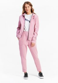 Puma - NU TILITY - Zip-up hoodie - foxglove - 1