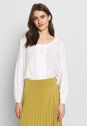 BENETTA BLOUSE - Bluse - white