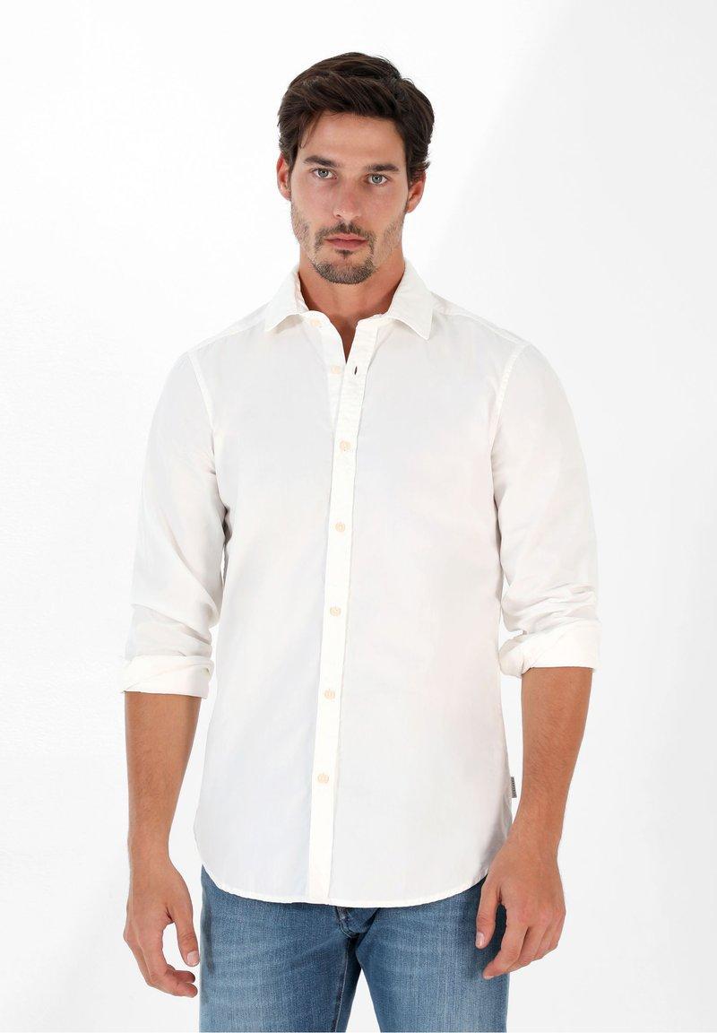 Scalpers - PLAIN - Shirt - off white
