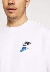 Nike Sportswear - Bluza - white - 5