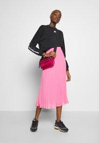 Nike Sportswear - AIR - Sweatshirt - black - 1