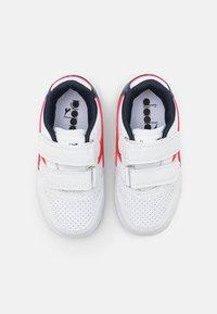 Diadora - PLAYGROUND UNISEX - Sports shoes - white/fiesta/black iris - 3
