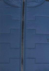 Regatta - CLUMBER HYBRID - Outdoorjacka - denim/navy - 2