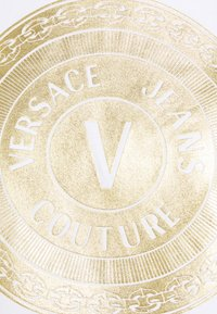 Versace Jeans Couture - LADY - Print T-shirt - optical white/gold - 6