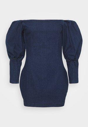 PUFF SLEEVE BARDOT DRESS - Denimové šaty - deep blue