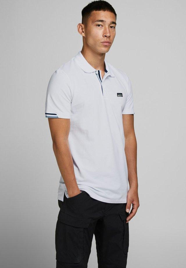 Polo - white