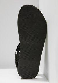 Slydes - NEVIS - Pantofle - black/white - 4