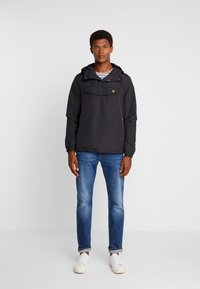 Lyle & Scott - OVERHEAD ANORAK - Light jacket - true black - 1