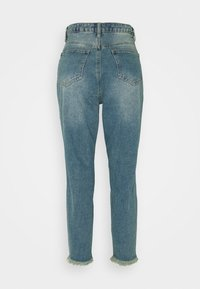 Missguided Petite - RIOT HIGH RISE RIPPED MOM AUTHENTIC - Jeans straight leg - blue - 1