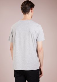 HUGO - DOLIVE - T-shirt con stampa - open grey - 2