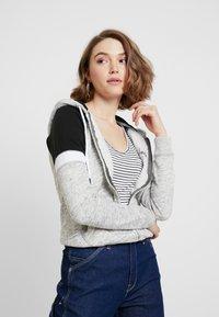 Hollister Co. - CORE - Zip-up hoodie - heather grey - 0