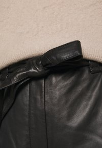 Second Female - INDIE NEW TROUSERS - Leather trousers - black - 4