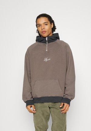 LAGAS PATCHWORK HALF ZIP HOODIE UNISEX - Sweatshirt - earth washed vintage grey