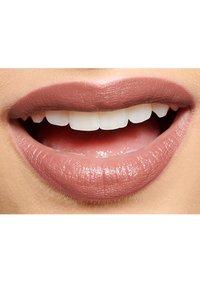 IsaDora - PERFECT MOISTURE LIPSTICK - Lipstick - bare beauty - 4