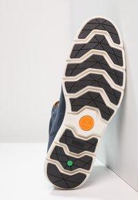 Timberland - KILLINGTON CHUKKA - Lace-up ankle boots - black iris - 4