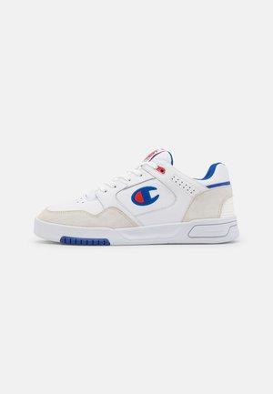 Basketball shoes - white/royal blue