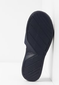 Lacoste - L.30 STRAP - Mules - navy/white - 5