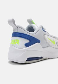 Nike Sportswear - AIR MAX BOLT UNISEX - Sneakers laag - pure platinum/grey fog/game royal/volt - 4