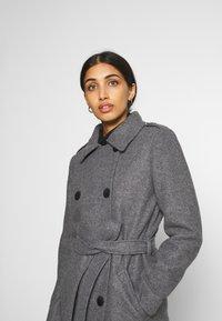 ONLY - ONLSANSA COAT - Krátký kabát - dark grey melange - 3