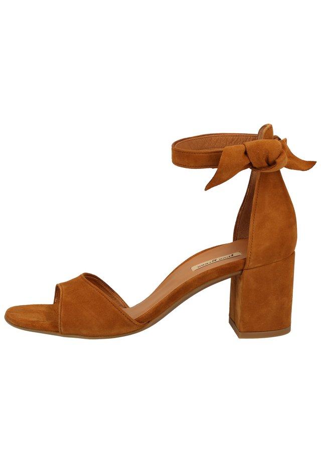 PAUL GREEN PUMPS - Sandals - caramel 56