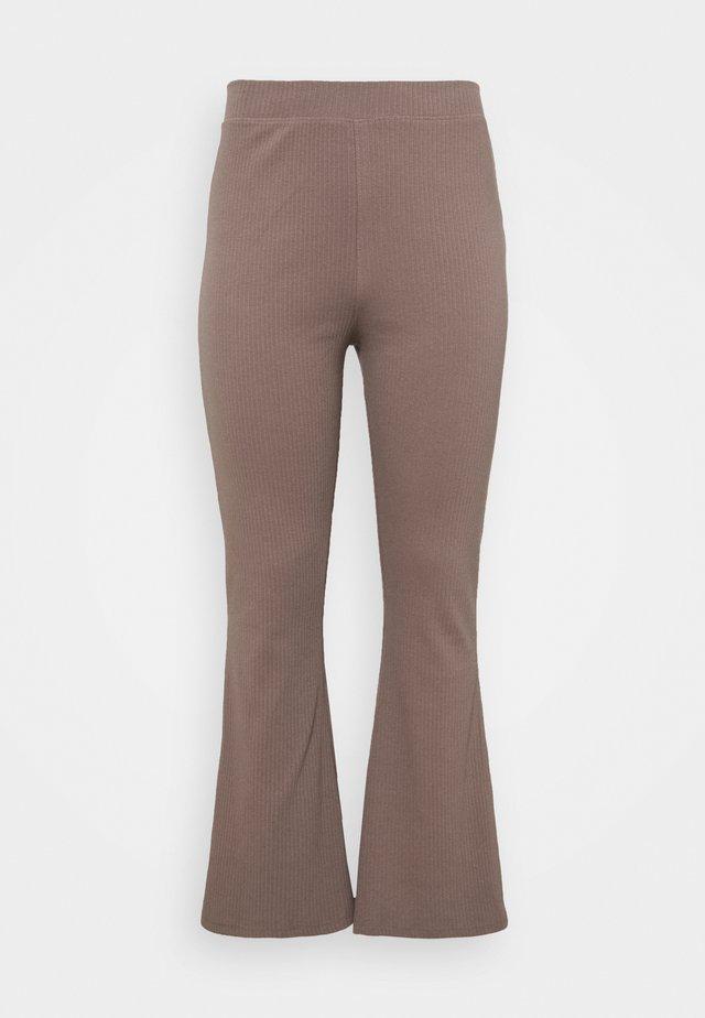 FLARE TROUSER - Pantalon classique - brown