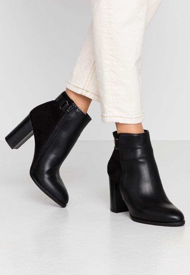 DYLLIS - Boots à talons - black