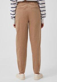 Finn Flare - Trousers - dark beige - 2