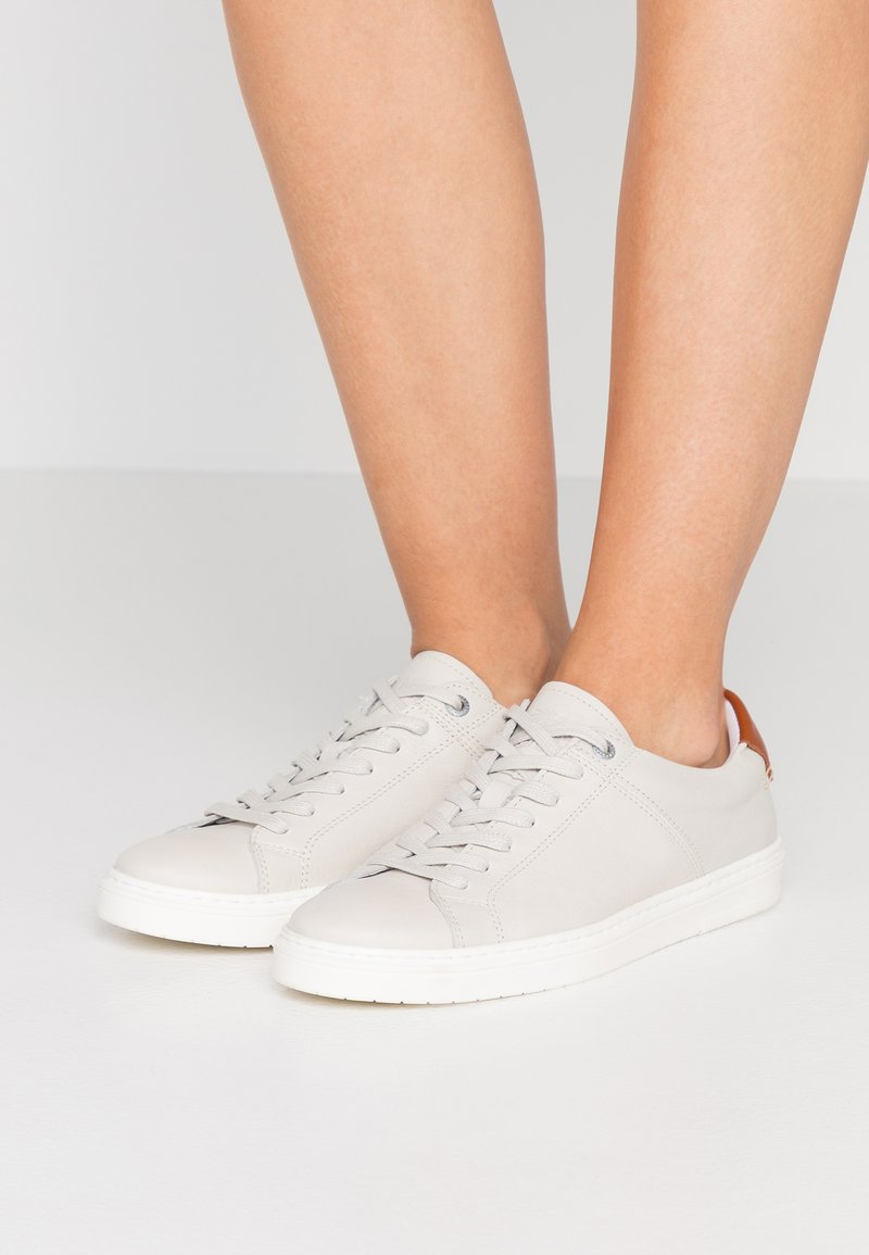 Barbour - CATLINA - Trainers - oyster