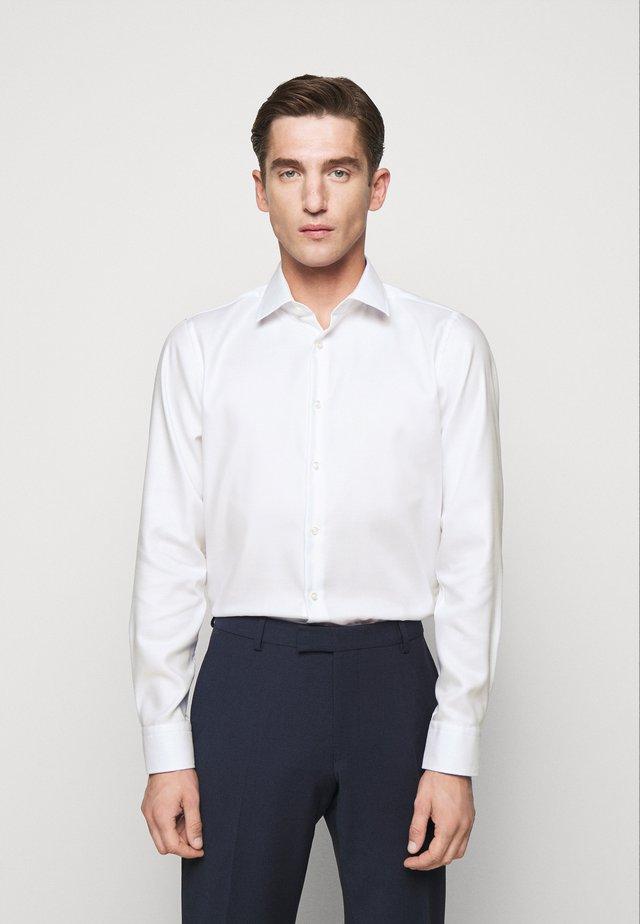 PIERRE - Camicia elegante - white