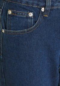 Missguided Petite - THIGH AND KNEE SLIT - Džíny Straight Fit - dark-blue denim - 5
