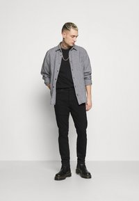 Neuw - RAY  - Jeans Tapered Fit - northblack - 1