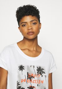 Roxy - LIKE I DO - Print T-shirt - snow white - 3