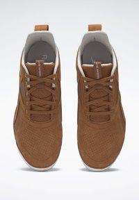 Reebok - REEBOK EVER ROAD DMX 3 SHOES - Outdoorschoenen - brown - 6