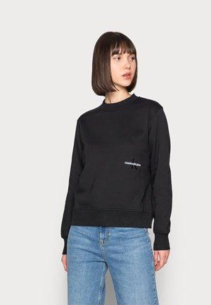 OFF PLACED MONOGRAM CREW NECK - Sweatshirt - black